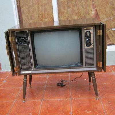 Tv con patas