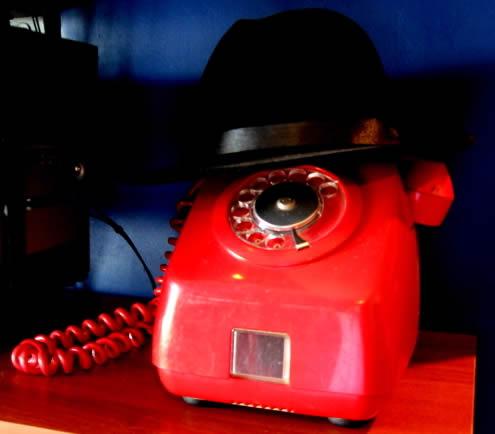 teléfono rojo cantv