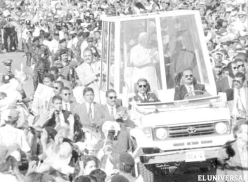 juan pablo II papamovil venezuela